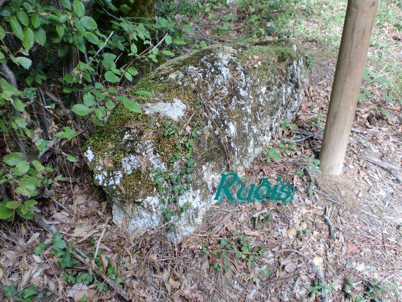 Menhir B ou 2 de Pontaret ou des Grandes Bornes, Lugasson