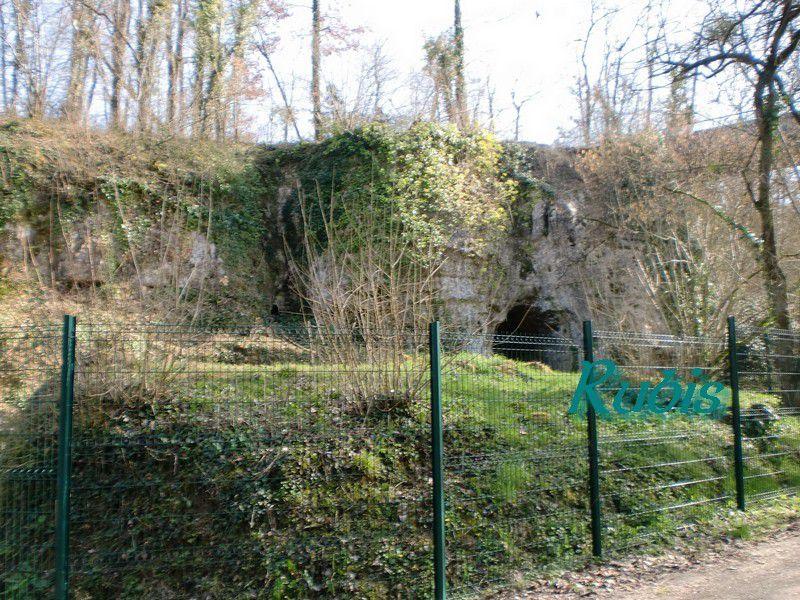 La Roche à Pierrot, Saint Césaire