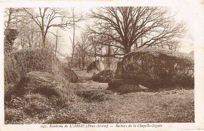 La Roche Branlante de la Morelière ou Roc Branlant, Largeasse