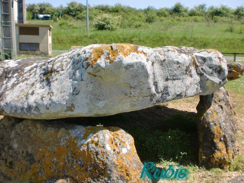 Dolmen de la Pierre Levée d'Aillé, Saint Georges les Baillargeaux