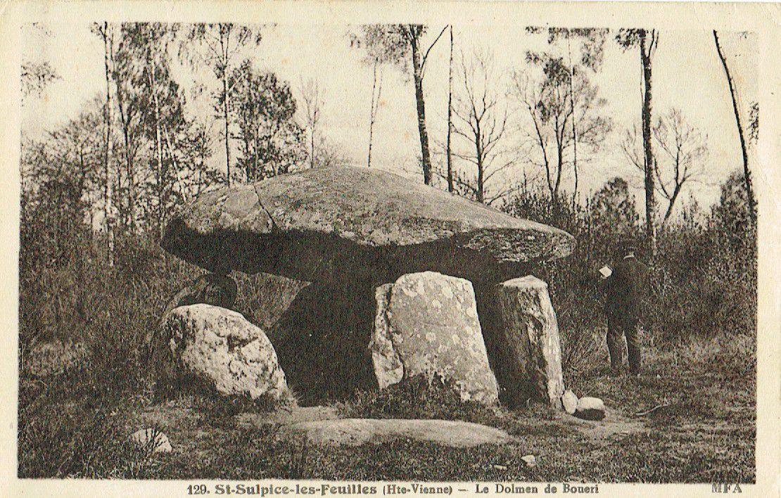 Dolmen de Bouéry ou de Pierre Levée ou du Peu de la Tache ou Pierre aux Martres, Mailhac sur Benaize