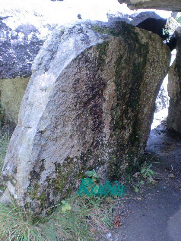 Dolmen ou allée couverte de la Pierre Couverte, Pontigné