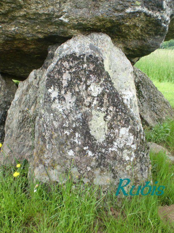 Dolmen de la Pierre des Chasseurs ou de Pierre Levade ou de Marlhac, Saint-Martin-Sainte-Catherine