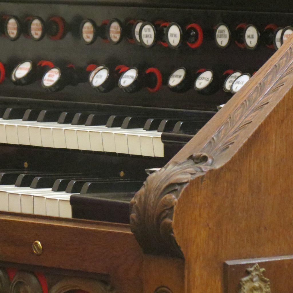 Bénédiction de l'harmonium .