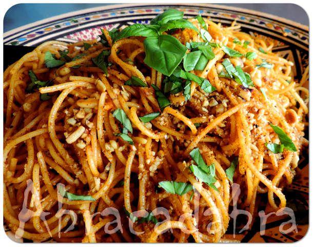 Spaghetti à l'ail et aux pignons