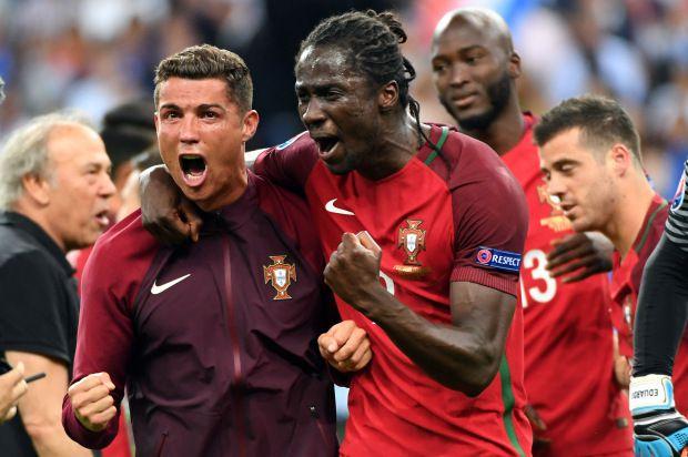 La grande joie de Cristiano Ronaldo à gauche et Eder à droite après le sacre du Portugal (Getty image)