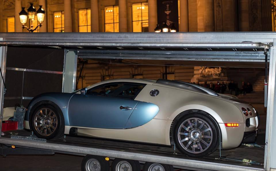 Film publicitaire pour le parfum Bellagio avec la Bugatti Veyron à Paris
