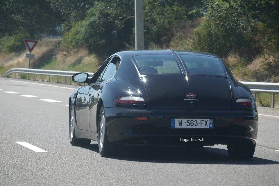 Les Bugatti EB 112 et 110 Super Sport surprises sur route