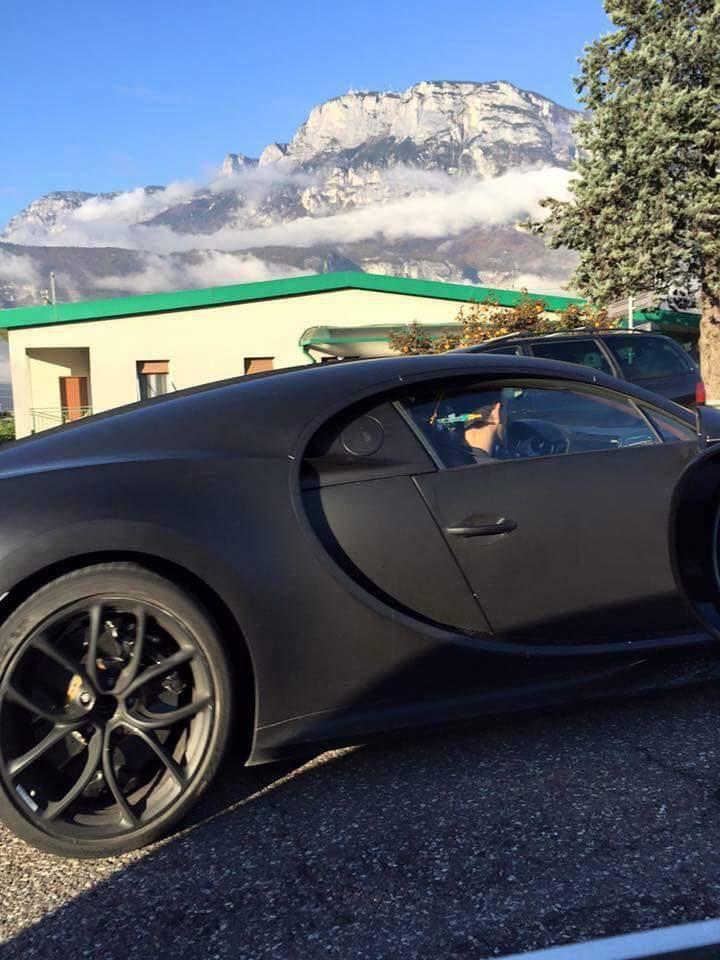 Le prototype de la Bugatti Chiron sur route