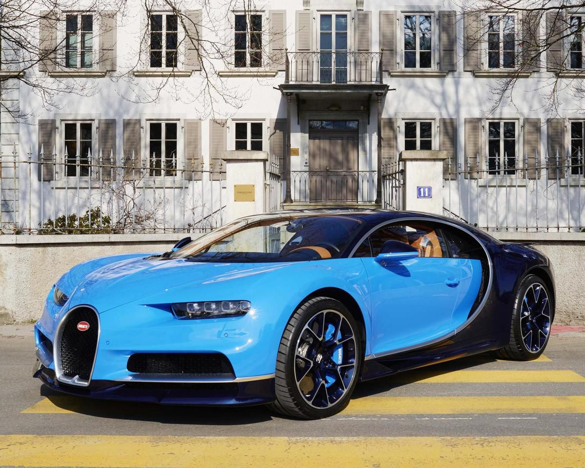 la bugatti chiron en mouvement bugatticars. Black Bedroom Furniture Sets. Home Design Ideas