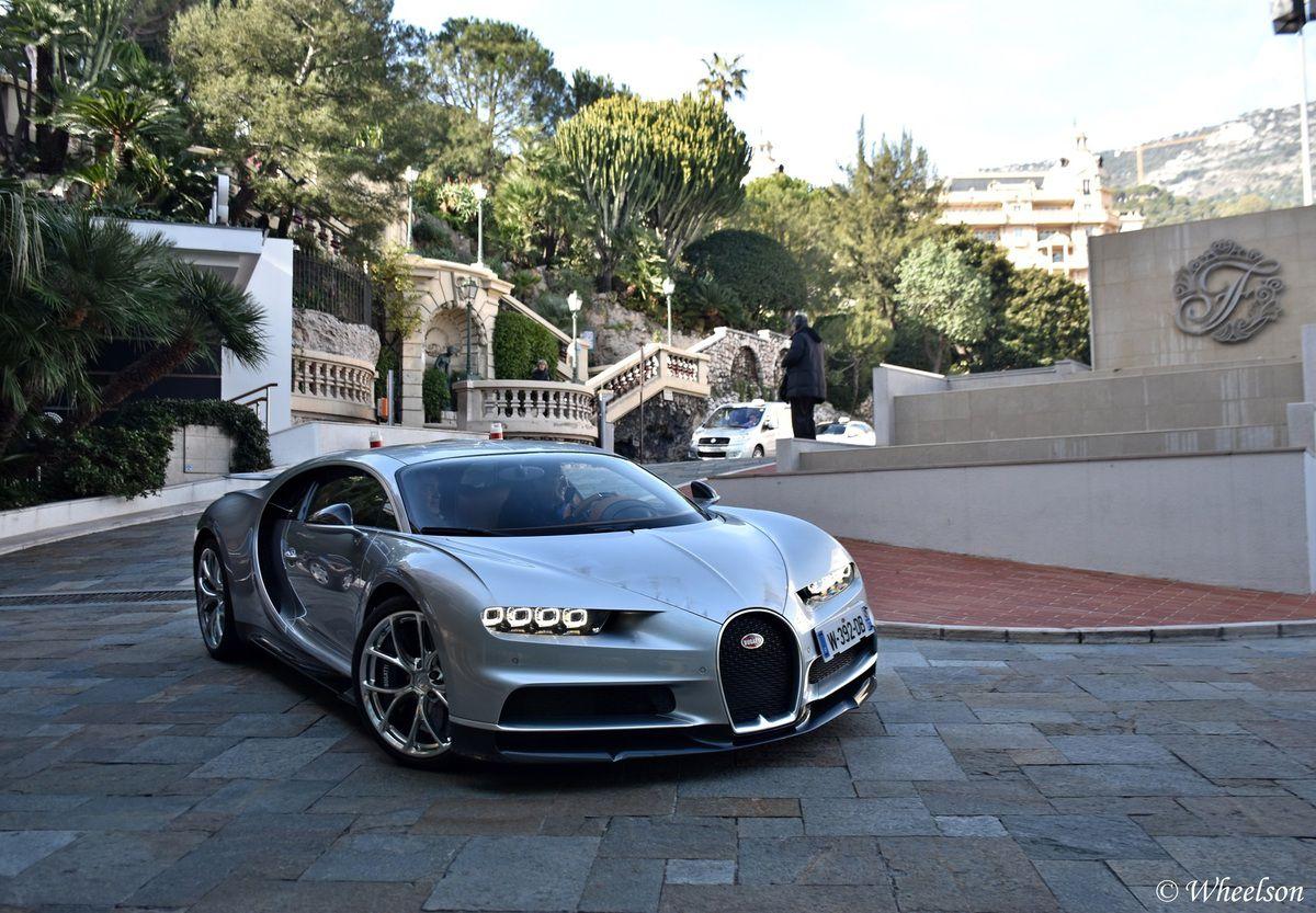 La Bugatti Chiron dans les rues de Monaco