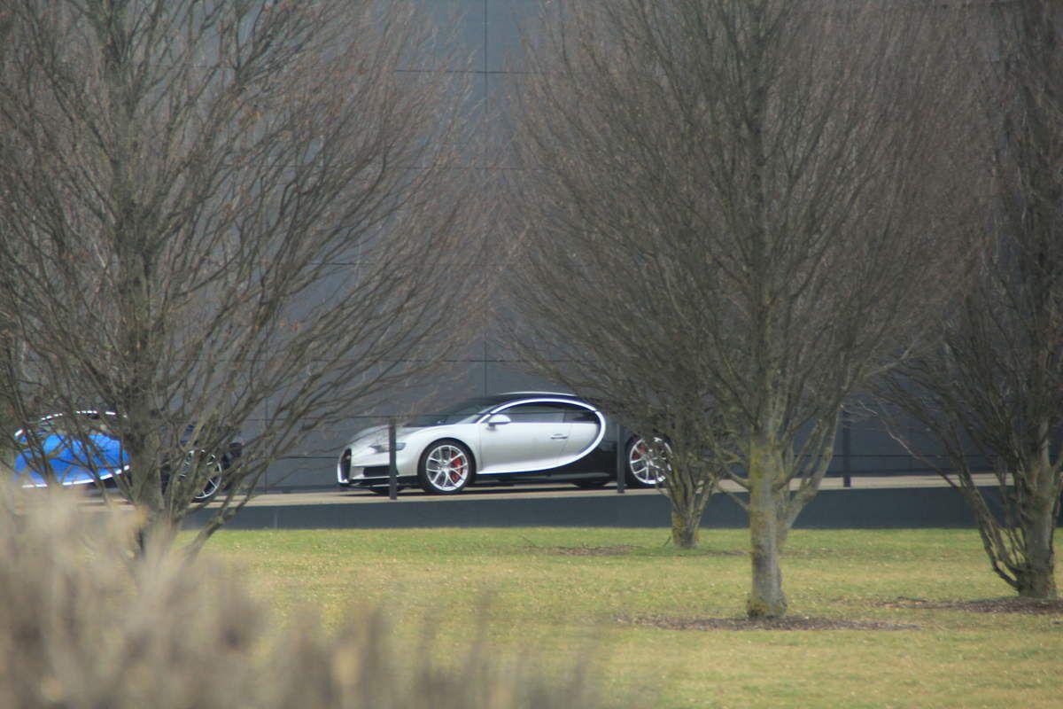 5 Bugatti Chiron à Molsheim