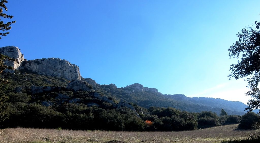 La rando du dimanche : la Tour d'Opiès, sommet des Alpilles / Sur le chemin pour aller au boulot le matin avec Gordon mon pote Vélo
