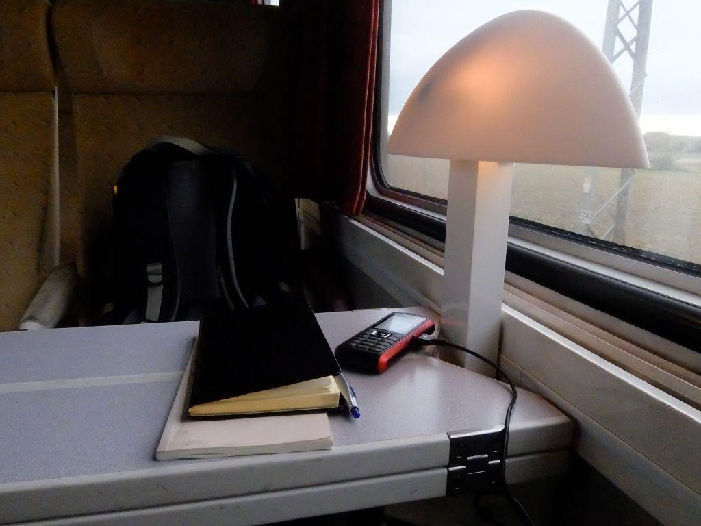 le bureau/train . Narbonne.....l'âme du poète