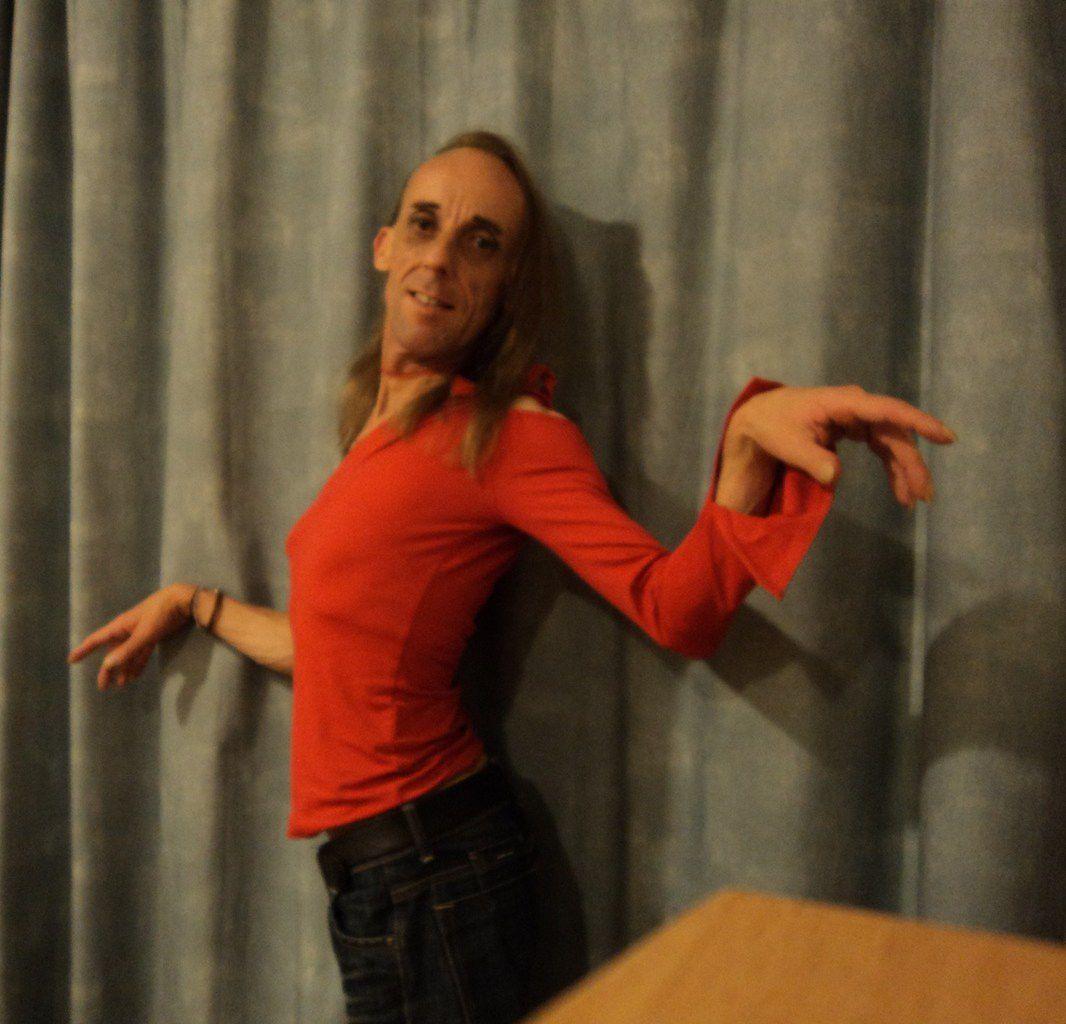 La Robe Rouge ~ Confessions d'une danseuse