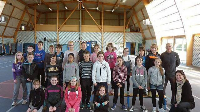 Les CM1-CM2 de l'école Le Votten s'entraînent pour la rencontre Usep du 20 mai. Ils pratiquent le rugby mais aussi l'athlétisme, le hand, le basket, la danse bretonne, la voile, la natation et le cyclisme.