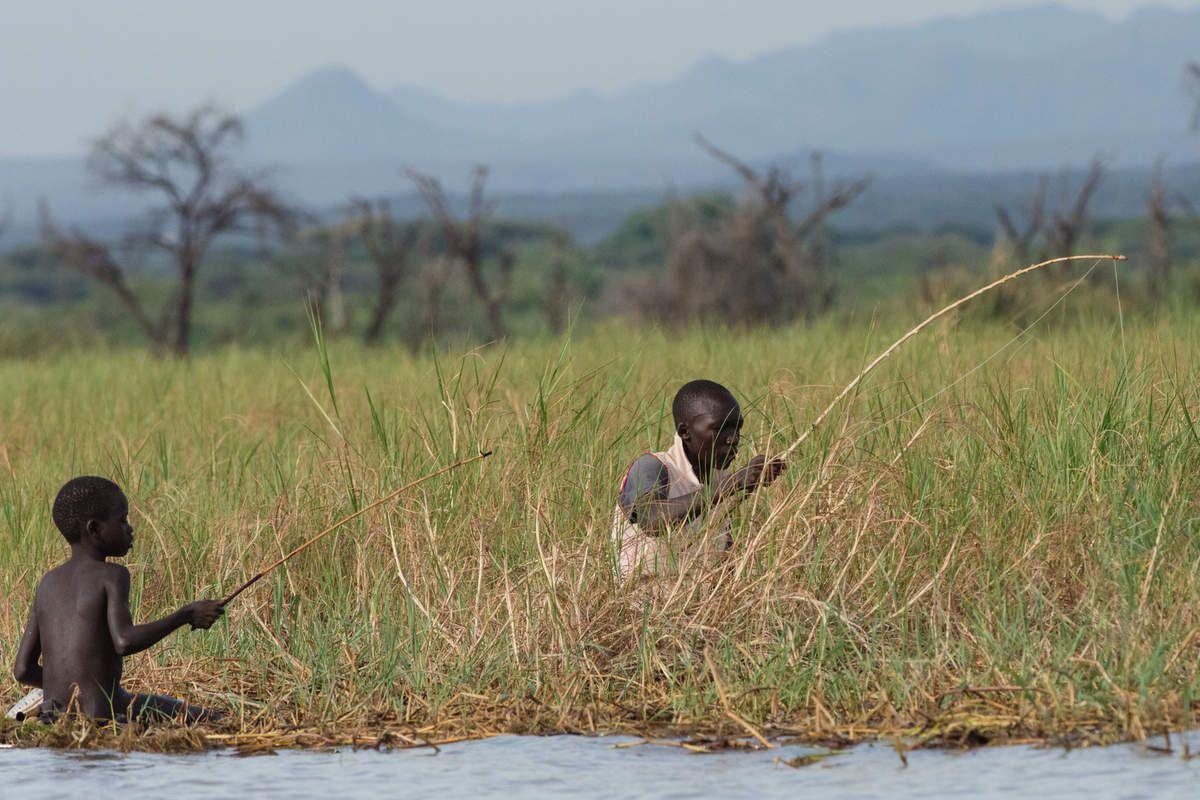 sur la route, photos prises en roulant. Puis su lac Baringo, sur la barque.