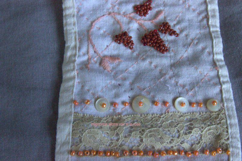 broderie de fleurs d'hydrangéa avec des perles