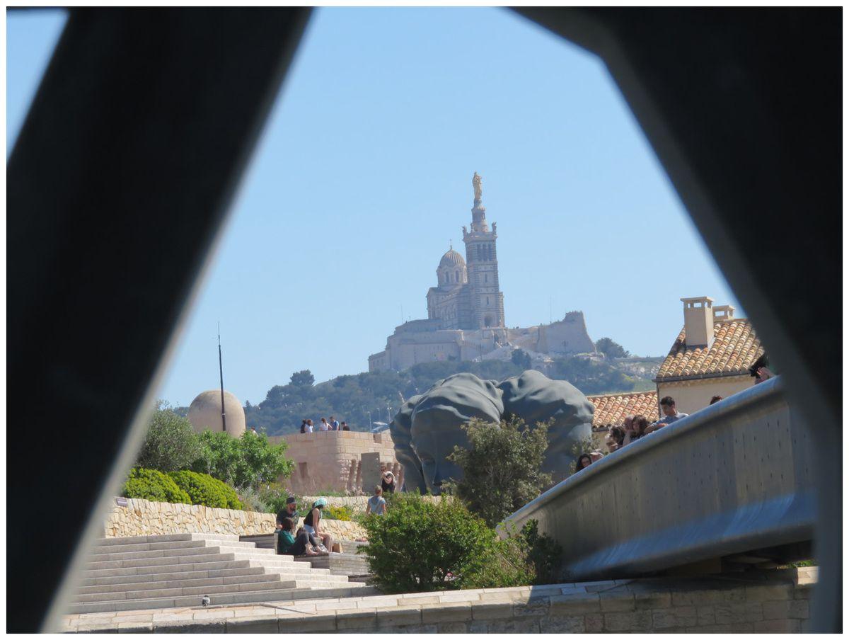 Visite de Marseille pour le bureau de l'ESG Photo