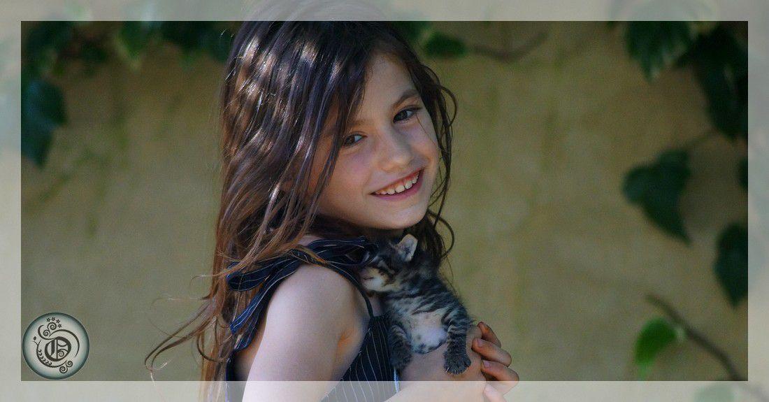 Robe noire fillette asymétrique
