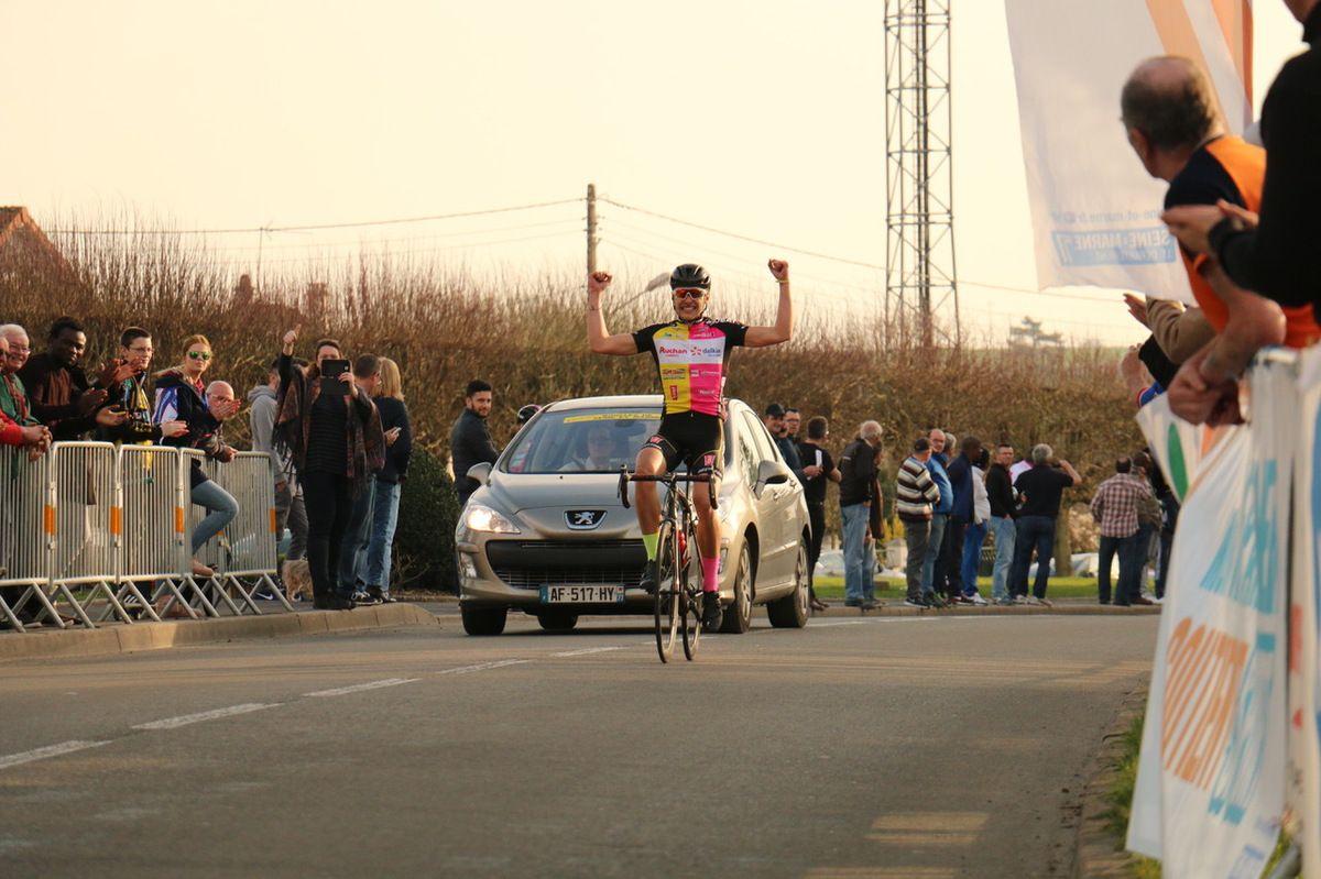le vainqueur de la course en ligne et du classement général : Anthony MACRON Anthony (Mixte CC CAMBRESIEN / VC ROUBAIX)