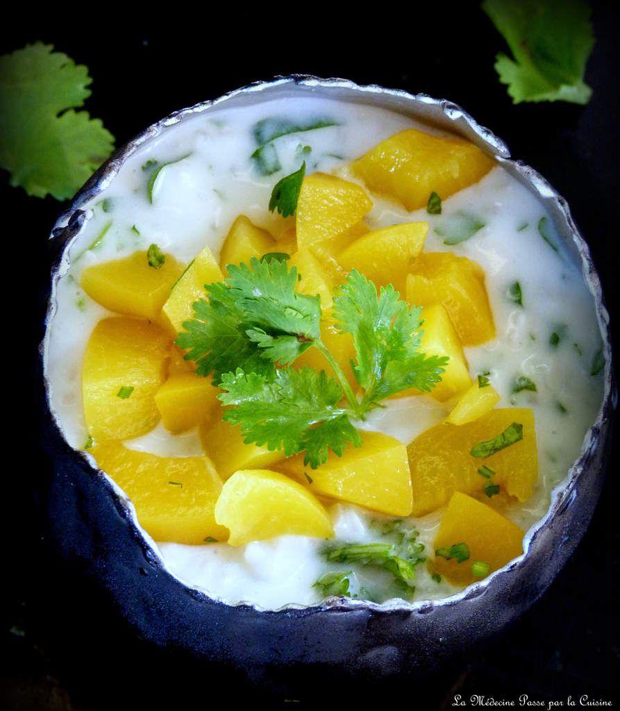 Riz au lait de coco, pêches et coriandre