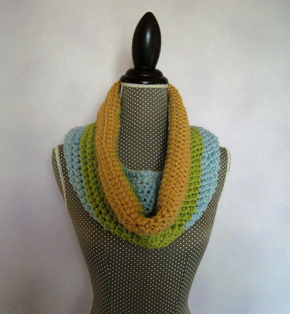 Snood au crochet tricolore !