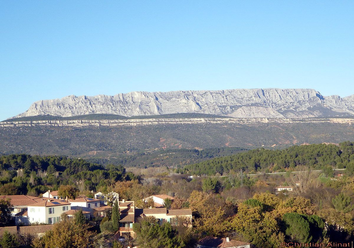 sainte victoire christian singles Hotels near sainte radegonde  but christian's english is  a small carrefours over on rue de la victoire and large department stores 10 minutes walk.