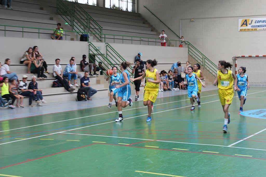 24/09/2016 -photos du match minimes filles contre saint pierre des corps