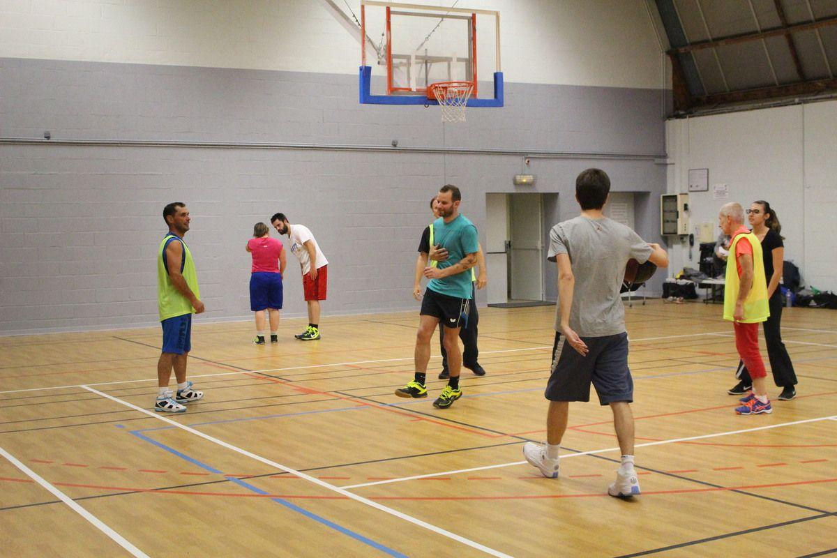 19/10/ tournoi basket-badminton