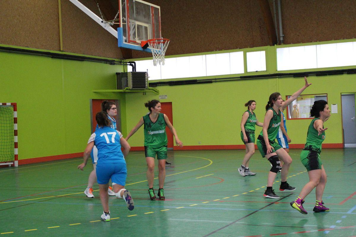 13/05/ seniors filles vs Azay