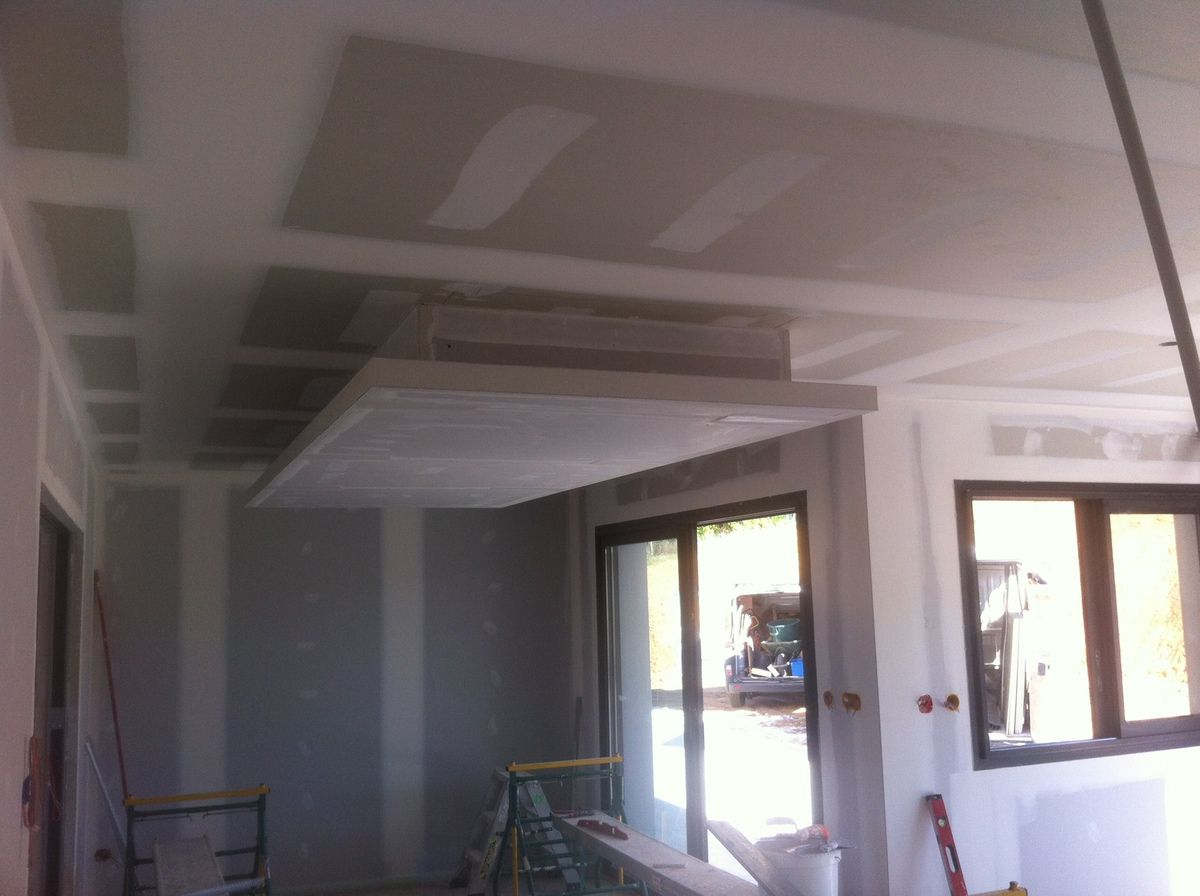 Photo plafond suspendu comment poser faux plafond - Plafond decoratif ...