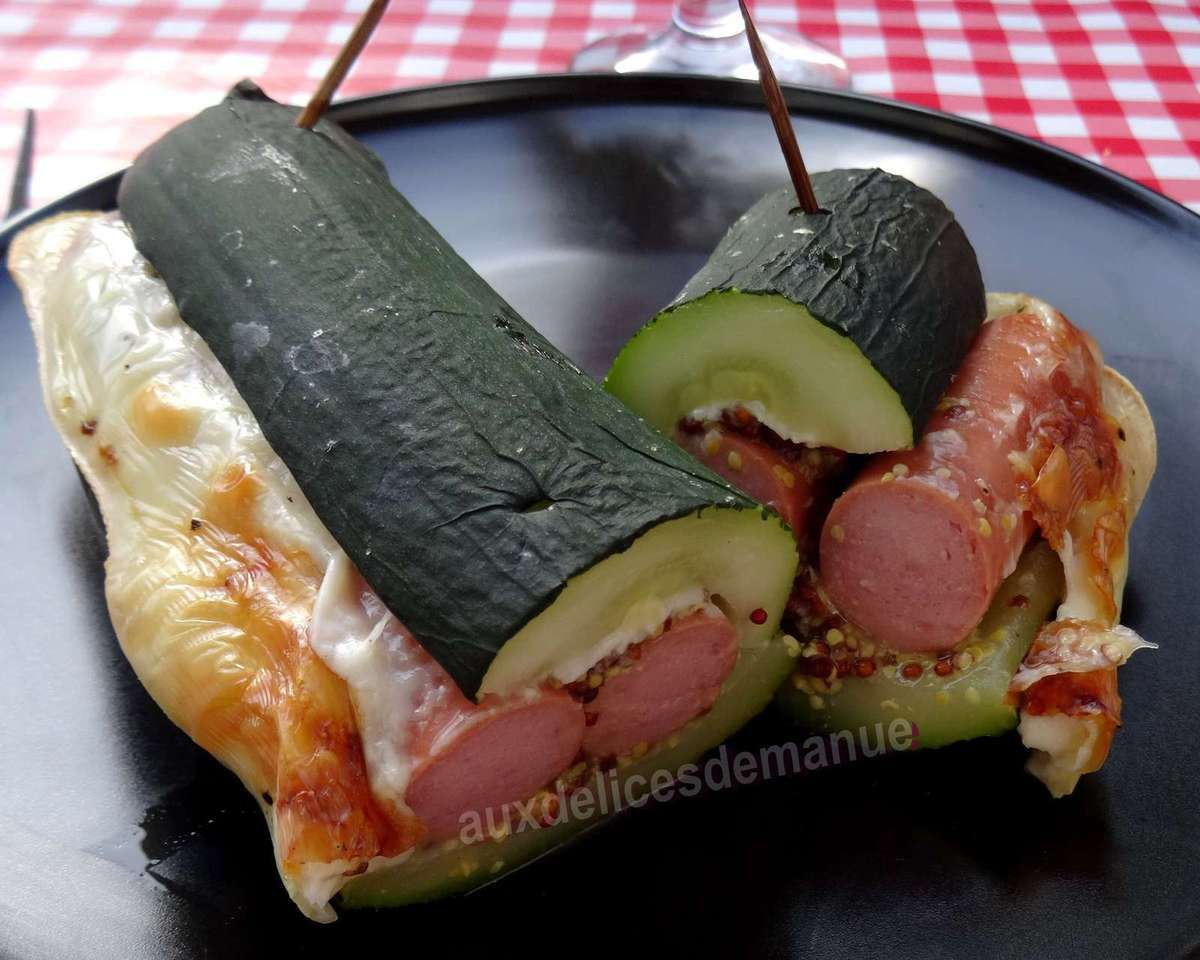 Hot-dog de courgette aux saucisses de poulet