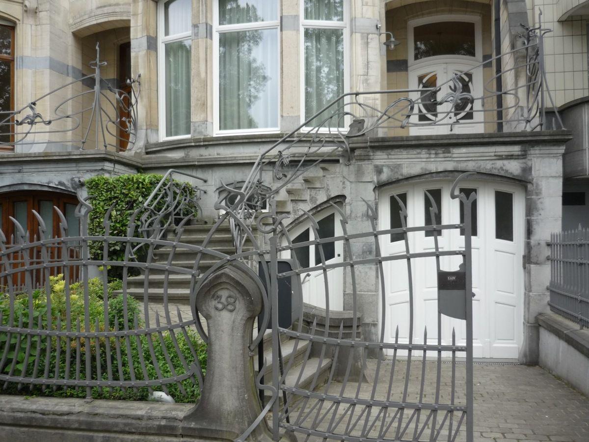6 rue du Lac ; avenue du Général de Gaulle ; rue Vilain XIIII