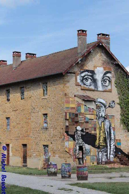 Un nouveau lieu dédié à street art et à l'art urbain à découvrir dans le JURA : le MAUSA... Mr CHAT y expose de belles toiles, mais il n'est pas le seul !!!