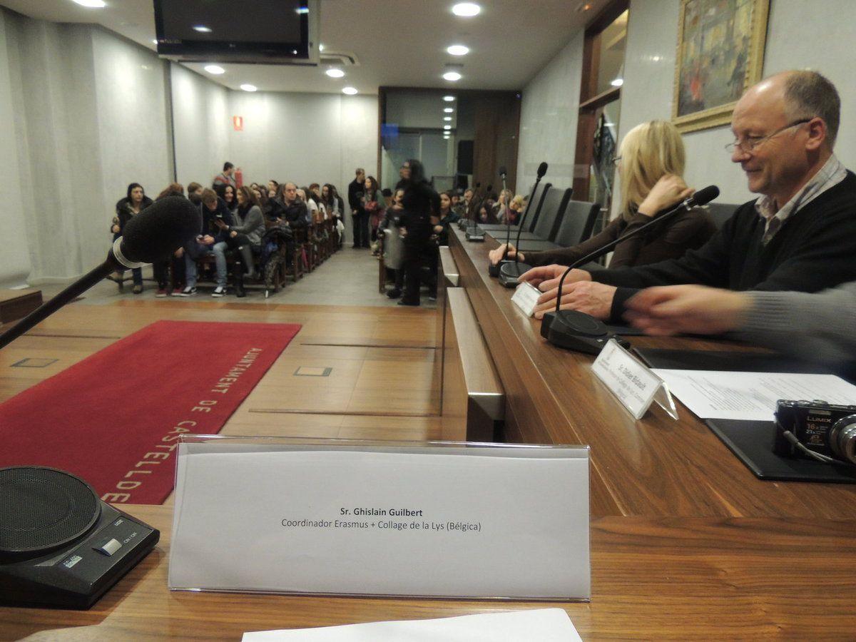 02-A1 Accueil officiel à la mairie de Castelldefels du groupe belge  du Collège de la Lys