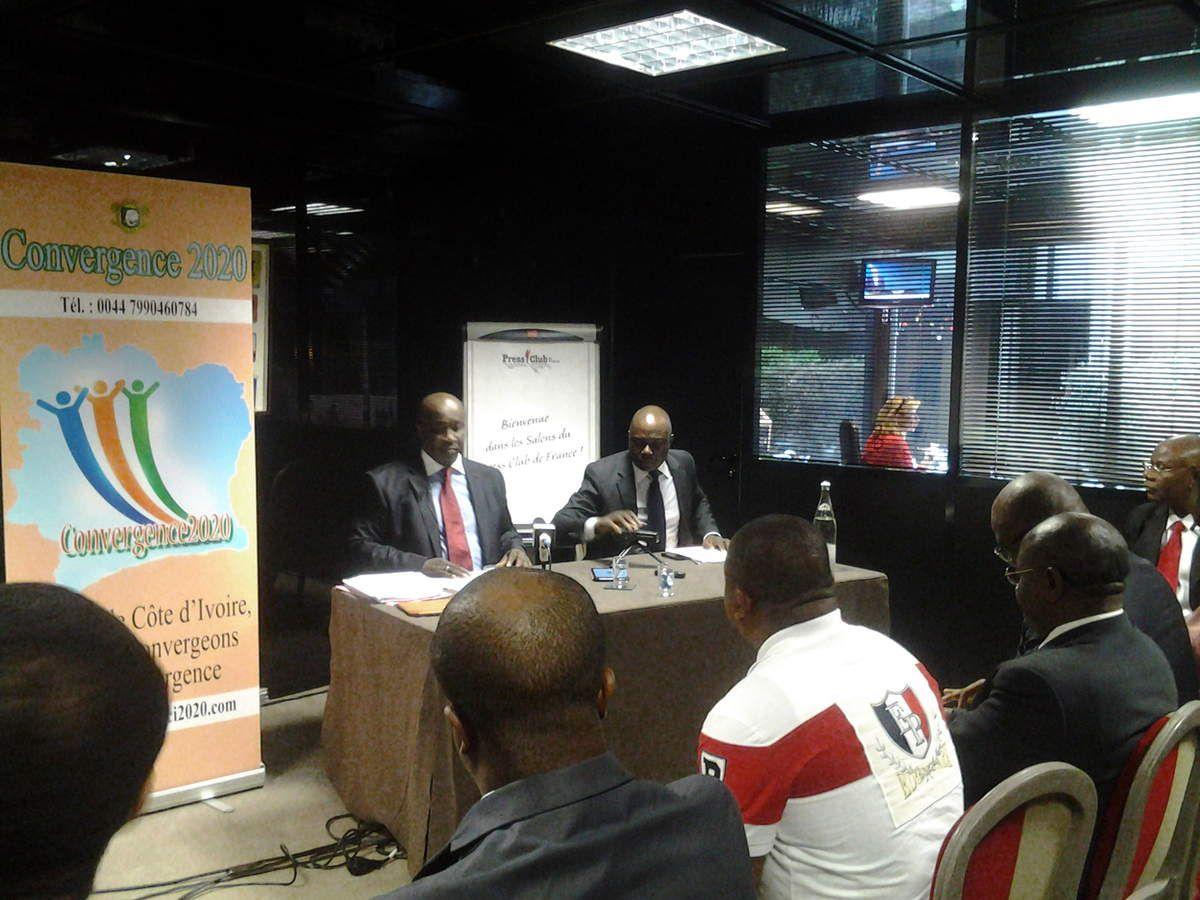 """Conférence """"Convergence 2020, au presse club de France, à Paris le 27 juin 2014,  animé par Aly Touré, présidente de cette plateforme"""