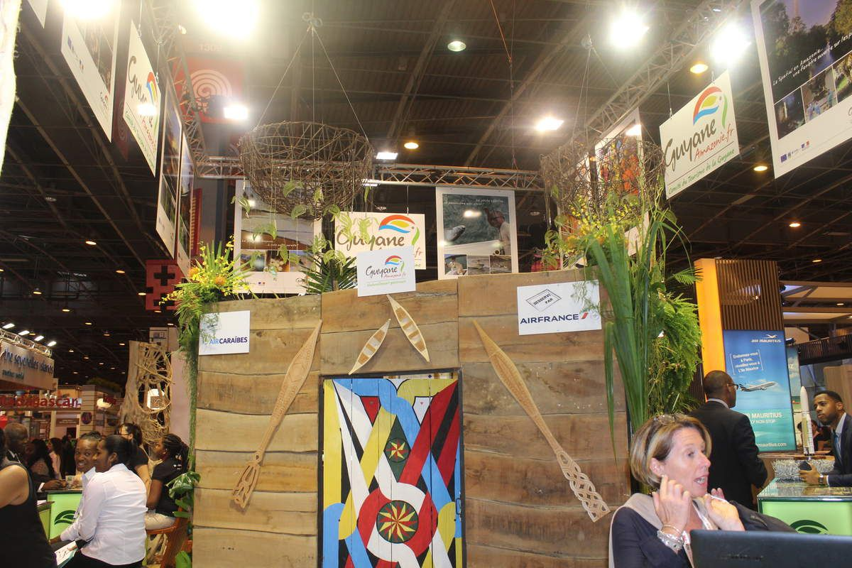 Salon du tourisme 2015 a porte de versailles la guyane for Salon par terre