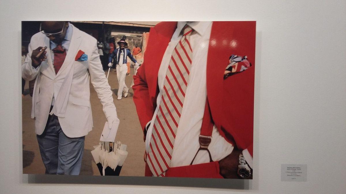 EXPOSITION &quot&#x3B;SAPEUR DE BACONGO&quot&#x3B; du 26 novembre au 20 janvier 2016  au Royal Monceau de Paris: L'artiste Baudoin MOUANDA, un surdoué de la photo