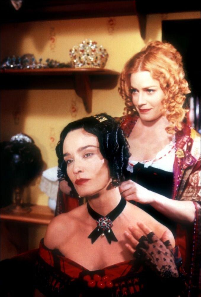 Valérie Marneffe et Lisbeth Fischer, images tirées du film de Des McAnuff, 1998