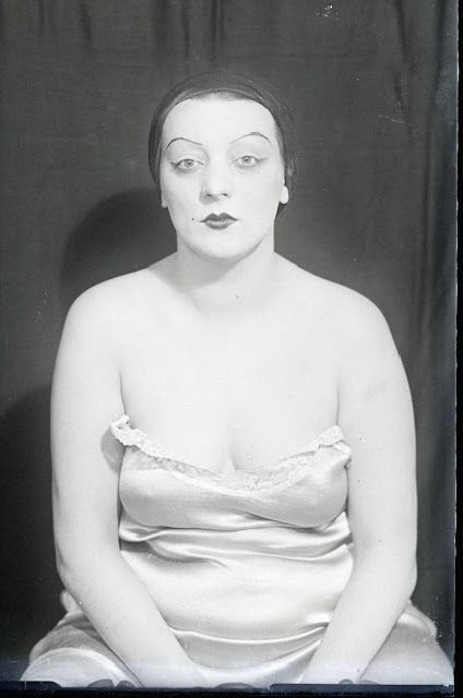 Man Ray - Kiki 1930