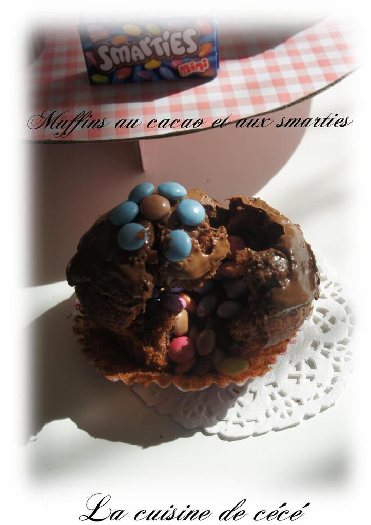 Muffins au cacao et aux smarties