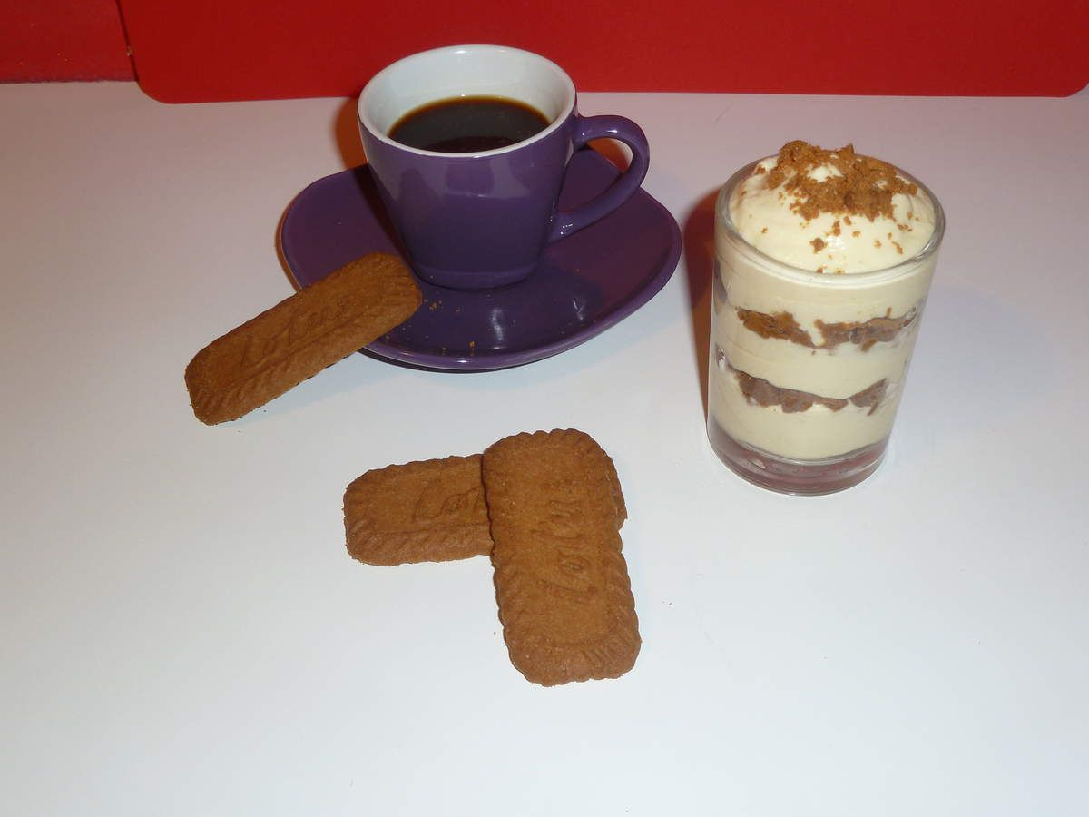 tiramisu au caf avec des sp culos les cakes design de. Black Bedroom Furniture Sets. Home Design Ideas