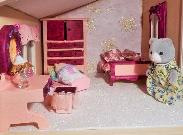 La chambre des parents maison lumbdy suite sylvanian for Sylvanian chambre parents