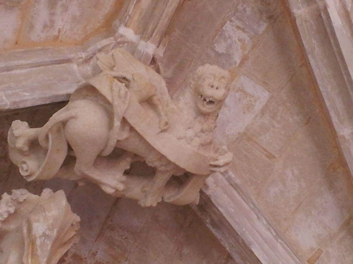 Le cloître de Cadouin et l'église abbatiale