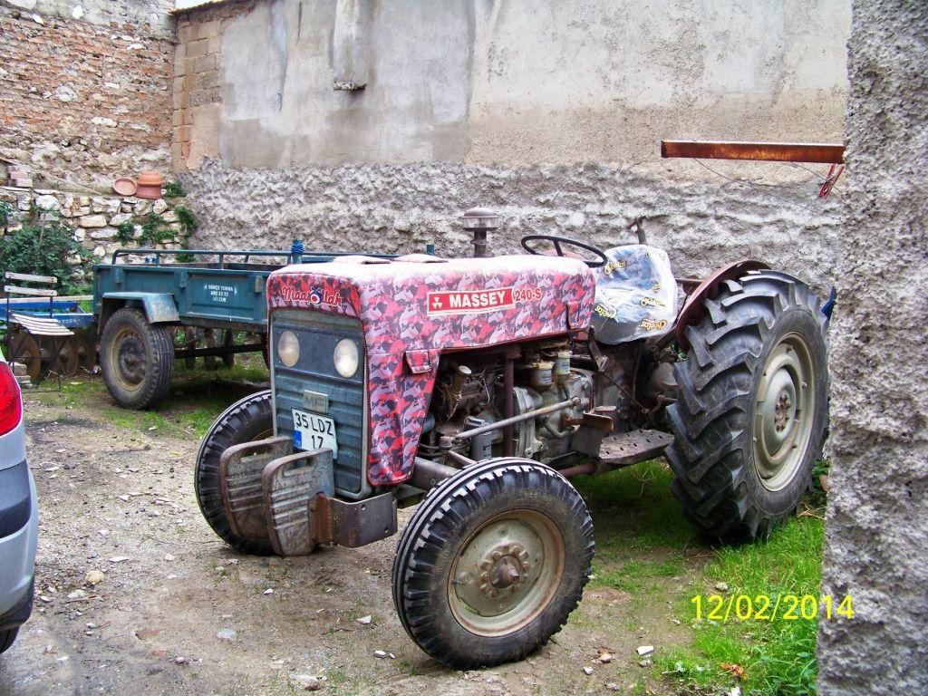 Même les tracteurs ont droit à leur couverture.