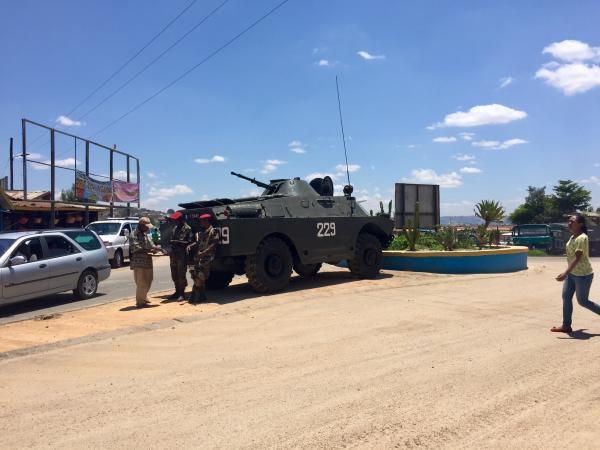 La ville et ses environs sont quadrillés par les forces de sécurité.  RFI/Paulina Zidi