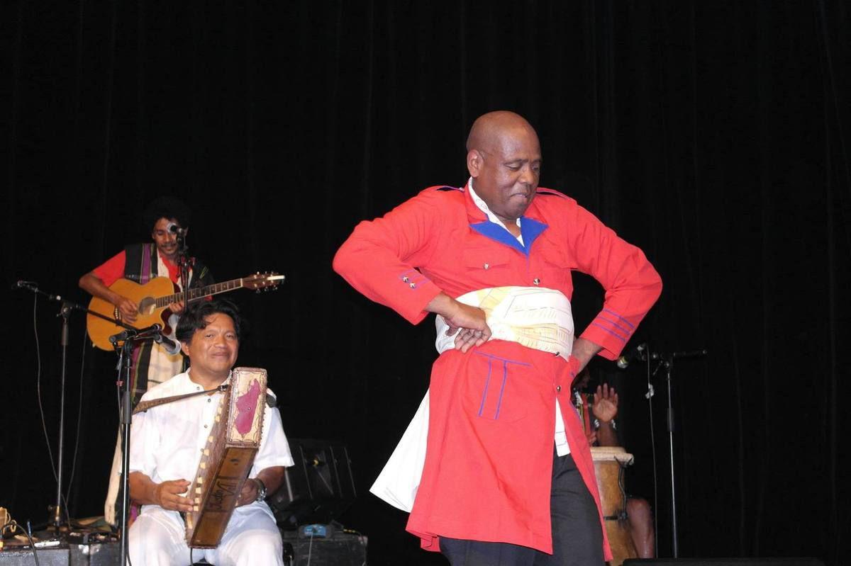 Ny Malagasy Orkestra - Donné Sahondrafina
