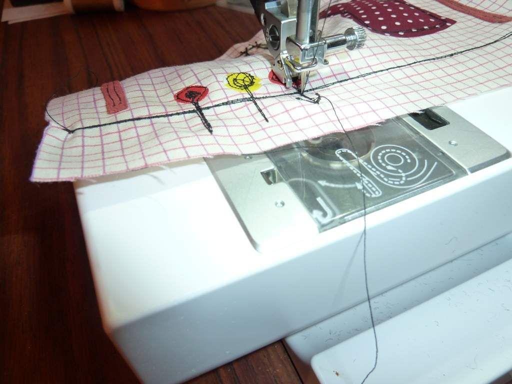 guider le tissu en le tendant pour créer votre dessin