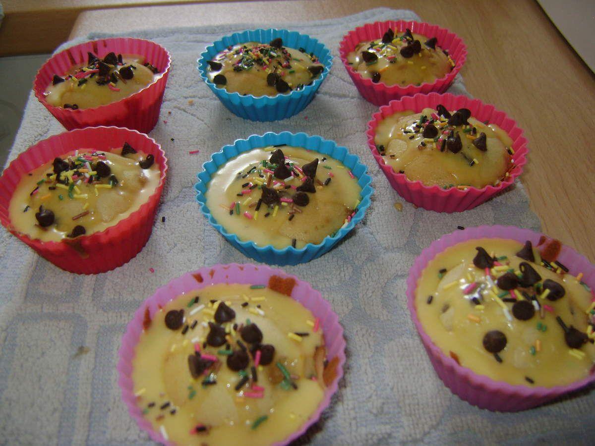 ATELIER CUISINE CUPCAKES PEPITES DE CHOCOLAT GLACAGE VANILLE